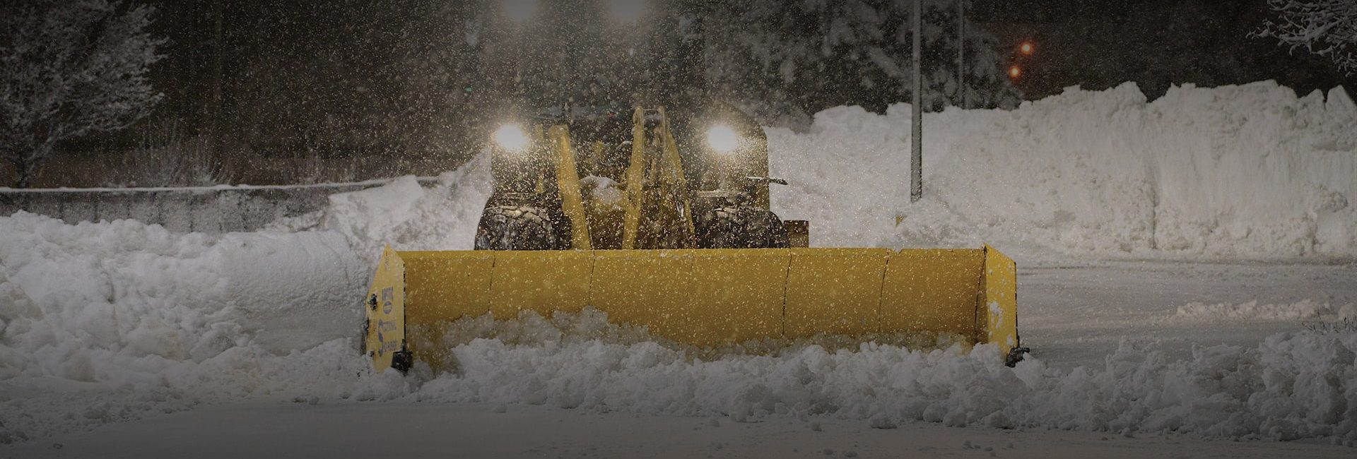 1-2″ of Light Snow and Gusty Winds Expected Tonight